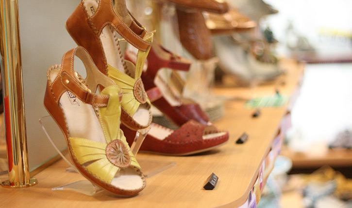 ドイツ足の健康館 赤い靴